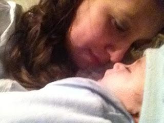 Tienes que separarte de tu bebé por primera vez: 6 consejos que os ayudarán